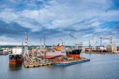 Vue du port et du chantier naval de quai Photo stock