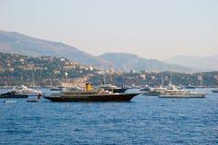 Vue du port maritime et de la ville de Monte Carlo au Monaco Images stock
