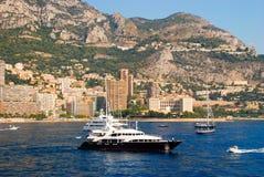 Vue du port maritime et de la ville de Monte Carlo au Monaco Photos libres de droits