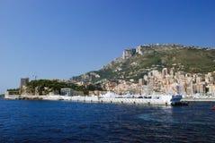 Vue du port maritime et de la ville de Monte Carlo au Monaco Photographie stock libre de droits