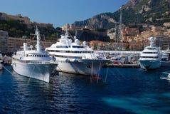 Vue du port maritime et de la ville de Monte Carlo au Monaco Images libres de droits
