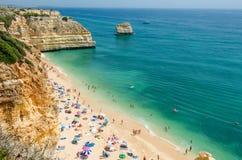 Vue du Praia de plage de marine DA Marinha dans Lagoa, secteur Faro, Algarve, Portugal du sud image stock