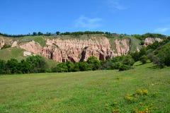 Vue du ravin rouge (Rapa Rosie) de Roumanie, un phénomène unique en Europe Photographie stock