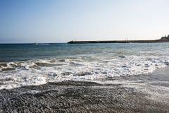 Vue du remuement des vagues de mer photos stock