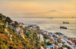 Vue du rocher de Gibraltar vers le Maroc photos libres de droits