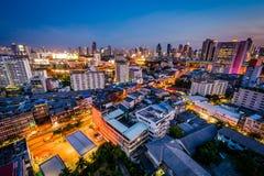 Vue du secteur de Ratchathewi au crépuscule, à Bangkok photos libres de droits