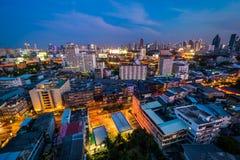 Vue du secteur de Ratchathewi au crépuscule, à Bangkok, Thaila Image libre de droits