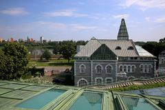 Vue du toit de la bibliothèque universitaire de Varsovie photo stock