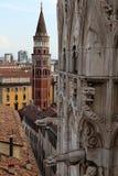 Vue du toit de Milan Cathedral Duomskogo Images libres de droits