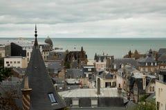 Vue du toit de Trouville et de la mer image stock
