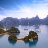 Vue du Vietnam de baie de Halong Photographie stock libre de droits