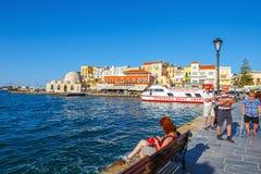 Vue du vieux port de Chania sur Crète, Grèce Chania est la deuxième plus grand ville de Crète images libres de droits