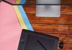 Vue en bois de table de concepteur à partir de dessus Photos stock