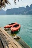 Vue en Chiew Larn Lake, Khao Sok National Park, Thaïlande Image stock