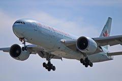 Vue en gros plan d'Air Canada Boeing 777-200LR Worldliner photo stock