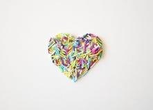Vue en gros plan d'un riz dragéifié mûr de texture sous forme de coeur Photo libre de droits