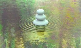 Vue en pierre empilée de l'eau de calme de lac Photo libre de droits