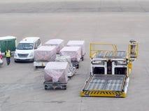 Vue en service de personnes moulues d'aéroport du bâtiment d'aéroport de MACAO Photo libre de droits