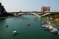 Vue et horizon de rivière à l'après-midi Photos libres de droits