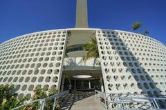Vue extérieure du bâtiment de thème de LAX Image libre de droits