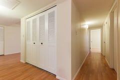 Vue fendue de couloir Photos stock