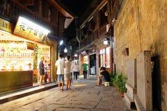 Vue Fenghuang, province de Hunan, Chine de nuit Photo libre de droits