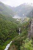 Vue Fjord-Gentille de la Norvège Geiranger à partir du dessus des montagnes Image libre de droits