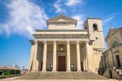 Vue frontale d'église San Marino Basilica image stock