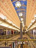 Vue générale de centre commercial Image libre de droits