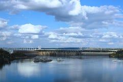 Vue générale de station hydro-électrique de Dnieper photos libres de droits
