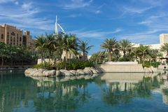 Vue générale du ` s hôtel de luxe de sept premier du monde étoiles Burj Photos stock