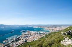 Vue globale à partir du dessus de la ville de rocher de Gibraltar Photo libre de droits
