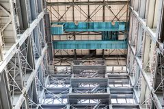 Vue grande-angulaire d'un bâtiment industriel grand photos libres de droits