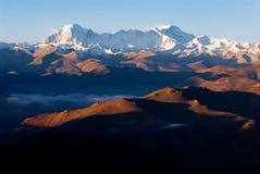 Vue grande-angulaire de l'Himalaya Photographie stock
