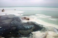 Vue grande-angulaire de la mer morte Photographie stock