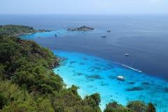 Vue grande-angulaire des îles de Similan image stock