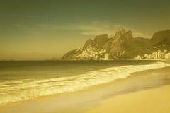Vue grenue de vintage de plage d'Ipanema images libres de droits