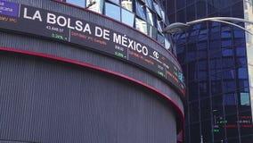 Vue haute étroite de la bourse des valeurs mexicaine banque de vidéos