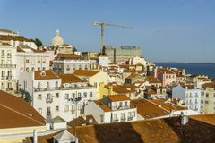 Vue horizontale d'Alfama historique à Lisbonne, Portugal Images libres de droits