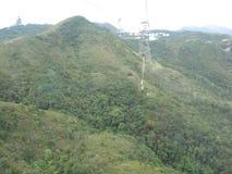 Vue hypnotisante de benne suspendue de cinglement de Ngong, île de Lantau, Hong Kong image libre de droits