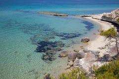 Vue idyllique de la belle plage de la Grèce, siviri Mediterrane Photographie stock