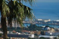 Vue idyllique de ville de Denia avec la vue de mer, Espagne photos libres de droits