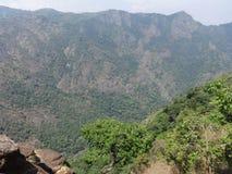 Vue impressionnante à partir du dessus des collines Photos stock