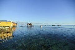 Vue impressionnante d'île de mabul de loge de budget Photographie stock libre de droits