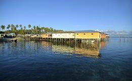 Vue impressionnante d'île de mabul de loge de budget Image libre de droits