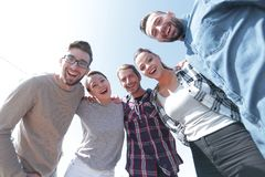 Vue inférieure équipe créative réussie d'affaires regardant le camer Photos libres de droits
