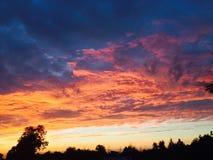 Vue intéressante de cielde coucher du soleil de summerPhoto libre de droits