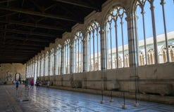 Vue intérieure de galerie de Camposanto Pise, Piazza del Duomo Image libre de droits