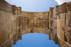 Vue intérieure de la voûte romaine de germanicus de Saintes Photos stock