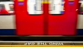 Vue intérieure de Londres au fond, station de métro Images stock